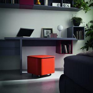 PUFFO: contenitore in cuoio colore Marrone, con coperchio, ruote gommate, portaoggetti multiuso, salva spazio, struttura in multistrato rivestito in cuoio, Made in Italy by Limac Design®.
