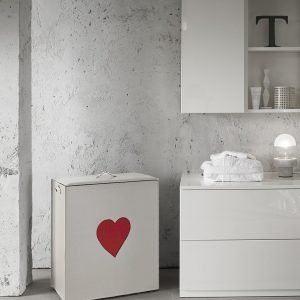 ADELE: Portabiancheria in cuoio colore Bianco, cuore colore Rosso, cesta porta biancheria con sacco in cotone removibile e coperchio in cuoio made in Italy by Limac Design®.
