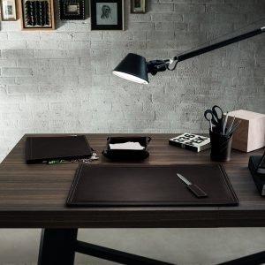 DONIO: Set 2 pezzi da scrivania in cuoio colore Testa di Moro, portapenne e portaoggetti, organizer ufficio, hotel, Made in Italy by Limac Design®.