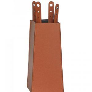 BOARY: set da camino in cuoio colore Marrone composto da borsa porta-ferri in cuoio, attrezzi da camino con manico in cuoio, sacca portaferri, idea regalo, prodotto in Italia da Firestyle®.