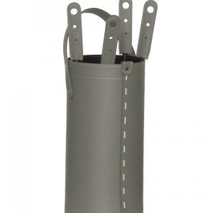 CIARY: set da camino in cuoio colore Tortora composto da borsa porta-ferri in cuoio, attrezzi da camino con manico in cuoio, sacca portaferri, idea regalo, prodotto in Italia da Firestyle®.