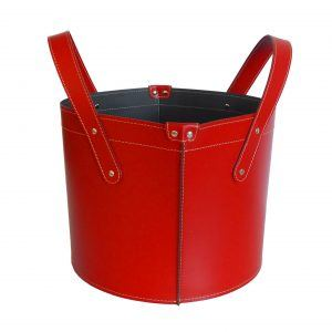 GARDA: portalegna in cuoio colore Rosso, contenitore per camino, borsa porta legna, per la casa, Ufficio, Hotel, design Firestyle®, Made in Italy.
