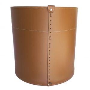 GIRO: portalegna in cuoio colore Marrone, contenitore per camino, borsa porta legna, per la casa, Ufficio, Hotel, design Firestyle®, Made in Italy.