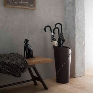 KATRINA: porta-ombrelli in cuoio Testa di Moro, portaombrelli di design con vaschetta raccogligocce, portaombrello made in Italy Limac Design®.