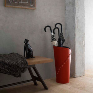 KATRINA: porta-ombrelli in cuoio Rosso, portaombrelli di design con vaschetta raccogligocce, portaombrello made in Italy Limac Design®.