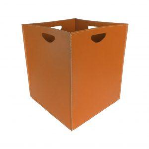 MARTE: portalegna in cuoio colore Marrone, contenitore per camino, borsa porta legna, per la casa, Ufficio, Hotel, design Firestyle®, Made in Italy.