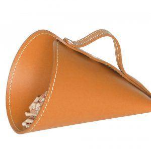 PIRIA: Sessola in cuoio colore Marrone, palletta per pellet, contenitore per caramelle, pala, idea regalo, Made in Italy.