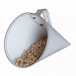 PIRIA: Sessola in cuoio colore Bianco, palletta per pellet, contenitore per caramelle, pala, idea regalo, Made in Italy.