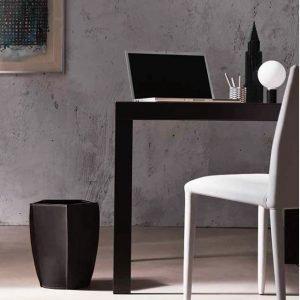 POLIGONO cestino gettacarte in cuoio colore Testa di moro, cesto gettacarte di design, per casa e ufficio by Limac Design®.