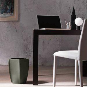 POLIGONO cestino gettacarte in cuoio colore Tortora, cesto gettacarte di design, per casa e ufficio by Limac Design®.