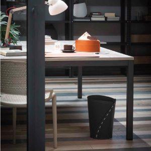 SERVUS: cestino gettacarte in cuoio colore Nero, gettacarte di design, per casa e ufficio by Limac Design®.