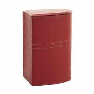 """SIMON: Portabiancheria in cuoio colore Rosso, cesta porta biancheria con sacco in cotone removibile e coperchio in cuoio, """"Salvaspazio"""" ad angolo, disegnato da Limac Design®."""