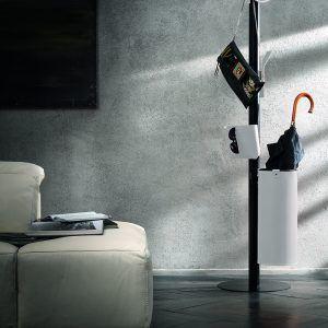 ERCOLE 5: Appendiabiti da terra con 5 elementi rivestiti in cuoio colore Bianco, attaccapanni con struttura in acciaio, disegnato da Limac Design®, Made in Italy.