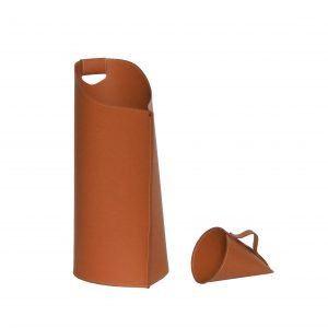 SAPIR: Rangements à pellets en cuir couleur Marron, avec une pelle pour granulés, fabriqué en Italie par Firestyle®.