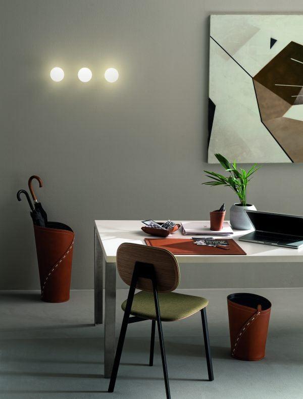 Composición para oficina y / o hogar fabricada en cuero GIULIO